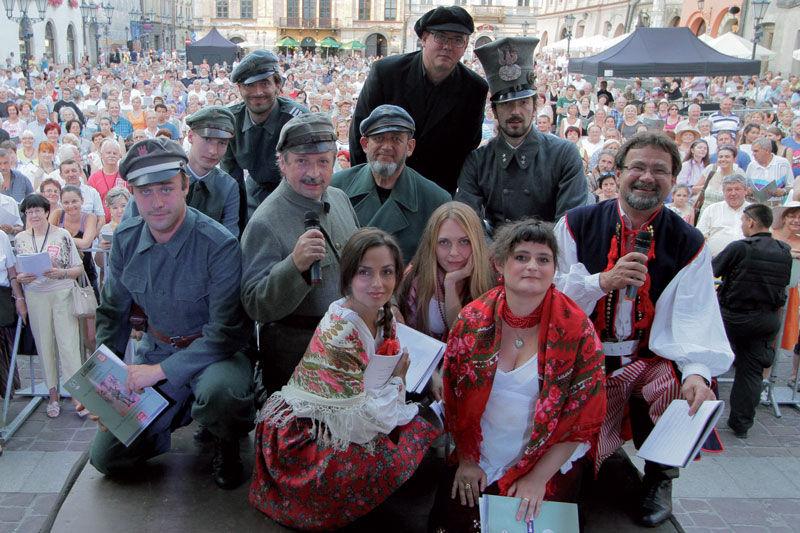 I Ogólnopolskie śpiewanie biało-czerwonych przebojów. Na Rynku Głównym wystąpi zespół Perfect