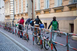 Naucz się bezpiecznie jeździć na rowerze