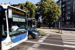 Jak korzystać z komunikacji miejskiej? Zobacz przewodnik