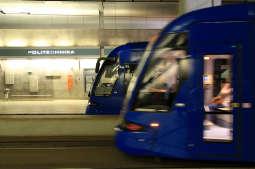 Weekendowe szlifowanie torów w tunelu tramwajowym