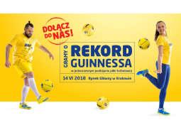 Pobijmy rekord Guinnessa w podbijaniu piłki nożnej