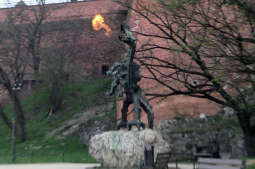 Smok Wawelski znów pod troskliwą opieką