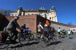 Wybierz się na wycieczki rowerowe po Krakowie z przewodnikiem