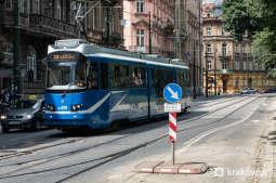 Weekend bez tramwajów przy teatrze Bagatela