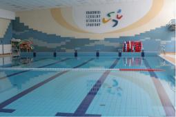 Zamknięte baseny przyszkolne i Ośrodka Rozwoju Com-Com Zone