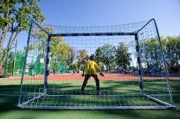 Szkolne boiska i place zabaw otwarte w wakacje