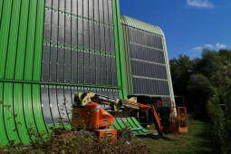 Innowacyjne folie fotowoltaiczne na elewacji Ekospalarni