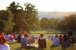 Wielopokoleniowy piknik w parku Zaczarowanej Dorożki