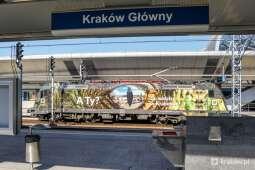 """""""Smoczy"""" pociąg dotarł do Krakowa"""